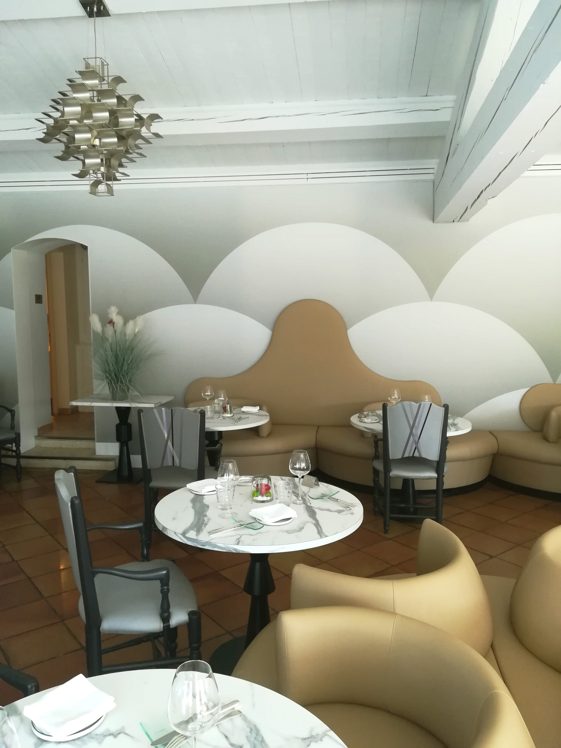 https://amelie-bouchez.fr/wp-content/uploads/2020/11/amelie-bouchez-restaurant-gastronomique-avignon-3-scaled.jpg